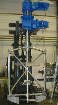 Koaxial - Rührwerk mti 22/15KW / Coaxial-Agitator with 22/15KW