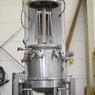 Koaxialrührmaschine mit Hubverfahreinheit / Coaxial agitator with lifting unit